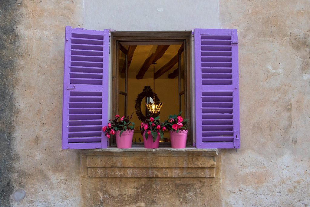 purple window