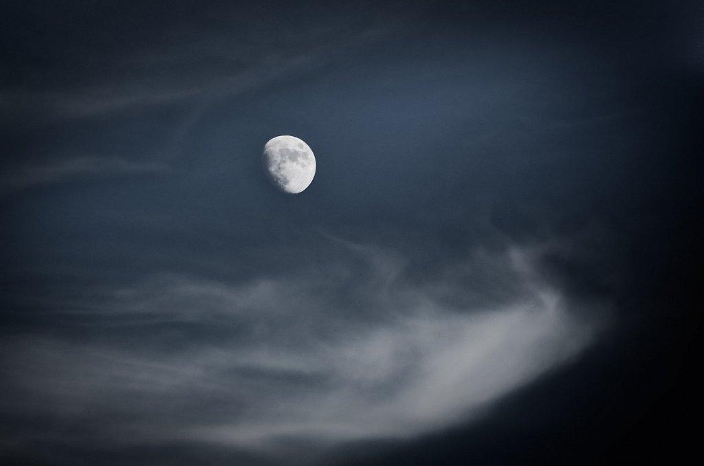 110711-Moon-123835.jpg